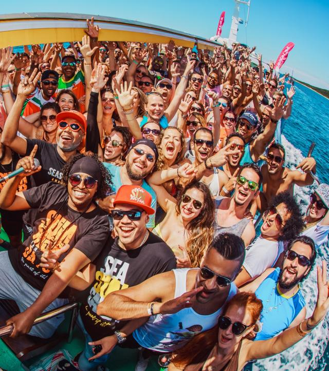 Salsa Party Boat